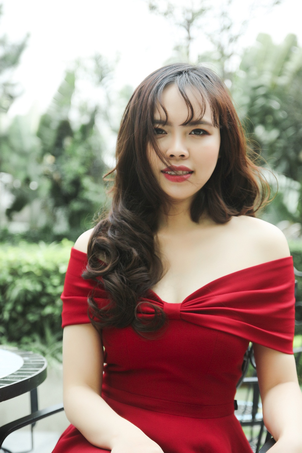 /UserFiles/miss/miss2018/6. Vuthiluong - S9/VU THI LUONG_ANH CHAN DUNG 2.jpg